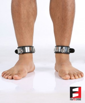 LEATHER WITH STAINLESS STEEL ANKLE RESTRAINTS AK004