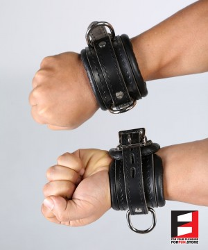 LEATHER SUPREME WRIST RESTRAINTS WR003