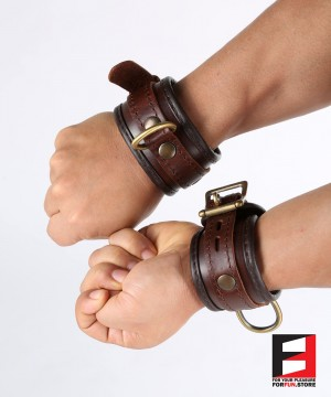 LEATHER CLASSIC WRIST RESTRAINTS WR007